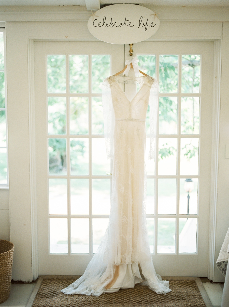 Lord Thompson Manor Connecticut Oh So Glam blog Wedding Rebecca Arthurs-0011.jpg